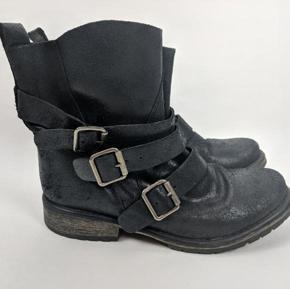 e0a3c96ecfc ⬇️ $51 Black Steve Madden Colony boots 9M